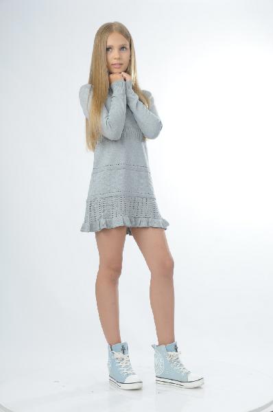 Платье VitacciОдежда для девочек<br>Цвет: серый<br> Состав: 93% хлопок, 7% спандекс<br> Описание: вязаное платье для девочки. воротник гольф, талия выполнена резинкой. юбка выполнена ажурной вязкой с рюшей по низу.<br> Уход за изделием: деликатная стирка при 30°С<br> Страна дизайна: Россия<br> Товар сертифицирован.<br><br>Материал: Хлопок<br>Сезон: ЛЕТО<br>Коллекция: Весна-лето<br>Пол: Женский<br>Возраст: Детский<br>Цвет: Серый<br>Размер Height: 158