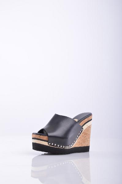 Сабо RASЖенская обувь<br>Описание: аппликации из металла, одноцветное изделие, скругленный носок, резиновая подошва, танкетка из пробки, сабо. <br> <br> Высота каблука: 13.5 см <br> <br> Высота платформы: 5.5 см <br> <br>Страна: Испания<br><br>Высота каблука: 13.5 см<br>Высота платформы: 5.5 см<br>Материал: Натуральная кожа<br>Сезон: ЛЕТО<br>Коллекция: Весна-лето<br>Пол: Женский<br>Возраст: Взрослый<br>Цвет: Черный<br>Размер RU: 38
