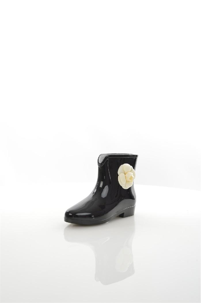 Резиновые полусапоги GlamorousЖенская обувь<br>Подкладка: 100% поливинилхлорид. Подошва: 100% поливинилхлорид. Верх: 100% поливинилхлорид.<br> <br> Гладкий глянцевый верх<br> Без застежки<br> Манжеты с разрезами<br> 3D аппликация в виде цветов<br> Округлый носок<br> Плоская подошва<br> Протирать влажной тканевой салф...<br><br>Материал: ПВХ<br>Сезон: ВЕСНА/ОСЕНЬ<br>Коллекция: (Справочник &quot;Номенклатура&quot; (Общие)): Весна-лето<br>Пол: Женский<br>Возраст: Взрослый<br>Цвет: Черный<br>Размер RU: 38