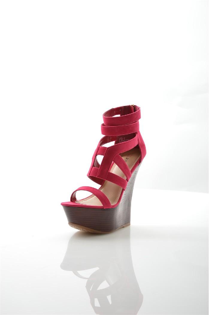 Босоножки JUSTFABЖенская обувь<br>Цвет: фуксия<br> Состав: искусственная замша<br> Параметры изделия: высота каблука - 15,5 см, высота платформы - 4,5 см<br> <br> Страна дизайна: США<br><br>Высота каблука: 15.5 см<br>Высота платформы: 4.5 см<br>Материал: Искусственная замша<br>Сезон: ЛЕТО<br>Коллекция: Весна-лето<br>Пол: Женский<br>Возраст: Взрослый<br>Цвет: Красный<br>Размер RU: 37.5