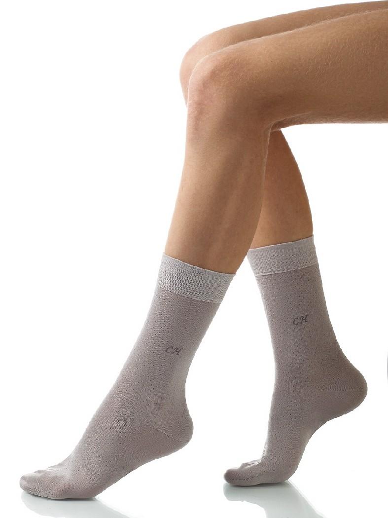 Носки CharmanteНоски<br>Практичные носки подарят Вам отличный комфорт и уют при носке. Модель выполнена из прочного износостойкого материала хлопка с добавлением эластичного волокна, гарантирующего идеальную посадку.<br> <br> Цвет: серый<br> <br> Состав: хлопок 95%, эластан 5%<br> <br> Страна: Италия<br><br>Материал: Хлопок<br>Сезон: МУЛЬТИ<br>Коллекция: Весна-лето<br>Пол: Мужской<br>Возраст: Взрослый<br>Цвет: Светло-серый<br>Размер UNI: 45/46