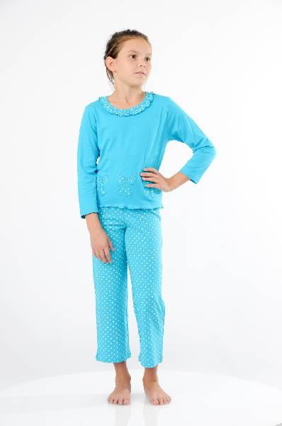 Пижама LowryОдежда для девочек<br>Великолепная пижама, состоящая из лонгслива и брюк. Лонгслив с длинными рукавами, округлым вырезом с оборочками. Брюки прямого кроя на эластичном поясе. Все изделия выполнены из нежного, приятного к телу материала.<br><br> Цвет: лазурный<br> <br> Состав: хлопок 100%<br> <br> Вырез горловины: Округлый<br> Длина изделия: Мини, 47 см<br> Длина рукава: 44 см<br> Форма брючин: Прямые<br>Габариты предметов: Длина, 80 см<br> Брюки (шорты): Ширина брючин, 18 см<br> Брюки (шорты): Высота посадки, 25 см<br> Брюки (шорты): Длина по внутреннему шву, 57 см<br> Сезон: круглогодичный<br> <br> Страна: США<br><br>Материал: Хлопок<br>Сезон: МУЛЬТИ<br>Коллекция: Весна-лето<br>Пол: Женский<br>Возраст: Детский<br>Цвет: Лазурный<br>Размер Height: 128