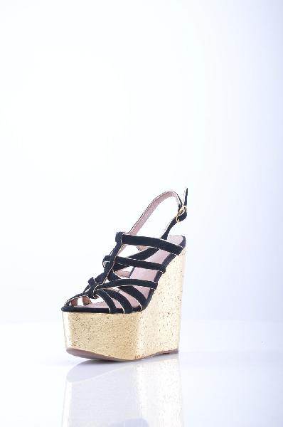 Сандалии JEFFREY CAMPBELLЖенская обувь<br>Замша, эффект ламинирования, без аппликаций, одноцветное изделие, пряжка, скругленный носок, резиновая подошва.<br>Высота каблука: 16 см.<br>Высота платформы: 9 см<br>Страна: США<br><br>Высота каблука: 16 см<br>Высота платформы: 9 см<br>Материал: Натуральная кожа<br>Сезон: ЛЕТО<br>Коллекция: (Справочник &quot;Номенклатура&quot; (Общие)): Весна-лето<br>Пол: Женский<br>Возраст: Взрослый<br>Цвет: Черный<br>Размер RU: 38
