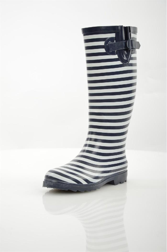 Резиновые сапоги OodjiЖенская обувь<br>Сапоги oodji выполнены из непромокаемой резины, текстильная внутренняя отделка. Съемная стелька, сбоку регулируемая пряжка.<br><br>Материал верха: резина<br> Внутренний материал: текстиль<br> Материал стельки: текстиль<br> Материал подошвы: резина<br> Высота голенища...<br><br>Высота каблука: 3 см<br>Объем голени: 41 см<br>Высота голенища / задника: 34 см<br>Материал: Резина<br>Сезон: ВЕСНА/ОСЕНЬ<br>Коллекция: (Справочник &quot;Номенклатура&quot; (Общие)): Весна-лето<br>Пол: Женский<br>Возраст: Взрослый<br>Цвет: Разноцветный<br>Размер RU: 39