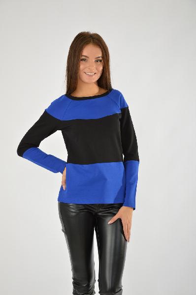 Джемпер ColambettaЖенская одежда<br>Цвет: черный, синий<br> <br> Состав: хлопок 75%,эластан 5%,полиэстер 20%<br> <br> Трикотажный джемпер из футера покроя реглан, с горизонтальной вставкой контрастного цвета, длина 65 см., длина рукава 65 см.<br> <br> Длина изделия по спинке, 65 см<br> Рукав длина, 65 см<br> Сезон демисезон<br> Пол Женский<br> Страна Россия<br><br>Материал: Хлопок<br>Сезон: ВЕСНА/ОСЕНЬ<br>Коллекция: Осень-зима<br>Пол: Женский<br>Возраст: Взрослый<br>Цвет: Разноцветный<br>Размер INT: S