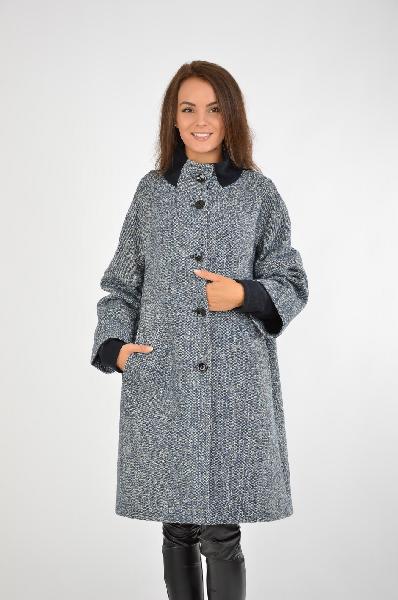 Пальто Lavie Monte-CarloЖенская одежда<br>Материал: 60% Шерсть, 40% Полиамид<br> Страна: Италия<br>Грация и изысканность сочетается в сером пальто А-силуэта от итальянского производителя. Привлекательная длина изделие позволяет его носить как с платьями и юбками, так и брюками. Отличная модель для создания образов в деловом стиле.<br><br>Материал: Шерсть<br>Сезон: ЗИМА<br>Коллекция: Осень-зима<br>Пол: Женский<br>Возраст: Взрослый<br>Цвет: Серый<br>Размер INT: L