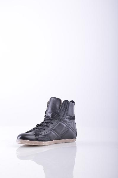 Высокие кеды LILIMILLЖенская обувь<br>Материал: без аппликаций, двухцветный узор, шнуровка, скругленный носок, резиновая подошва<br><br>Страна: Италия<br><br>Материал: Натуральная кожа<br>Сезон: МУЛЬТИ<br>Коллекция: Весна-лето<br>Пол: Женский<br>Возраст: Взрослый<br>Цвет: Черный<br>Размер RU: 37