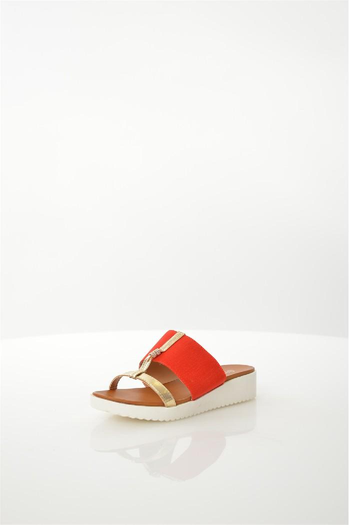 Сабо CatherineЖенская обувь<br>Шлепанцы Catherine выполнены из искусственной кожи и текстиля.<br> <br> Материал верха: искусственная кожа, текстиль<br> Внутренний материал: искусственная кожа<br> Материал стельки: искусственный материал<br> Материал подошвы: искусственный материал<br> Цвет: красный<br> Сезон: Лето<br> Коллекция: Весна-лето<br> Детали обуви: камни/стразы<br> Страна: США<br><br>Материал: Искусственная кожа<br>Сезон: ЛЕТО<br>Коллекция: Весна-лето<br>Пол: Женский<br>Возраст: Взрослый<br>Цвет: Красный<br>Размер RU: 38