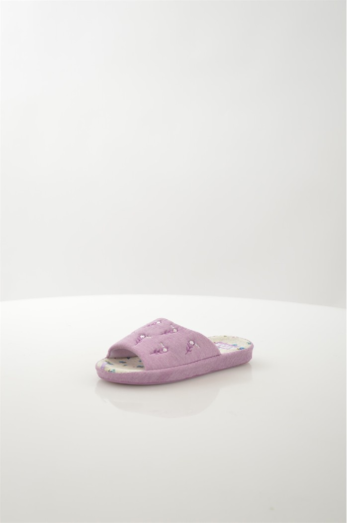 Тапочки Let,sЖенская обувь<br>Цвет: сиреневый<br> Состав: текстиль 100%<br> <br> Материал подкладки обуви: Текстиль<br> Вид застежки: Без застежки<br> Материал подошвы обуви: ТЭП (термоэластопласт)<br> Материал стельки: текстиль<br> Вид каблука: без каблука<br> Назначение обуви: для дома<br> Габариты предметов: высота подошвы: 1 см<br> Сезон: лето<br> Пол: Женский<br> Страна бренда: Россия<br> Страна производитель: Россия<br><br>Высота платформы: 1 см<br>Материал: Текстиль<br>Сезон: МУЛЬТИ<br>Коллекция: Весна-лето<br>Пол: Женский<br>Возраст: Взрослый<br>Цвет: Сиреневый<br>Размер RU: 38