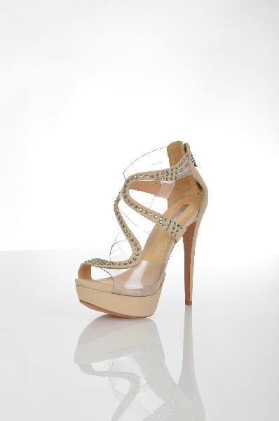 Сандалии SCHUTZЖенская обувь<br>Состав: Кожа, Пластик<br> Детали: стразы, одноцветное изделие, молния, узкий носок, кожаная подошва, шпилька, обтянутый каблук<br> Размеры: Каблук: 13 см Высота платформы: 4 см<br> Страна: США<br><br>Высота каблука: 13 см<br>Высота платформы: 4 см<br>Материал: Натуральная кожа<br>Сезон: ЛЕТО<br>Коллекция: Весна-лето<br>Пол: Женский<br>Возраст: Взрослый<br>Цвет: Бежевый<br>Размер RU: 38