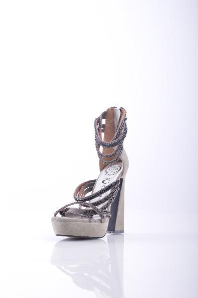 Босоножки JEFFREY CAMPBELLЖенская обувь<br>Описание: Замша, аппликации из металла, принт, молния, скругленный носок, резиновая подошва, обтянутый каблук. <br><br>Высота каблука: 14 см. <br>Высота платформы: 4 см <br><br>Страна: США<br><br>Высота каблука: 14 см<br>Высота платформы: 4 см<br>Материал: Натуральная кожа<br>Сезон: ЛЕТО<br>Коллекция: Весна-лето<br>Пол: Женский<br>Возраст: Взрослый<br>Цвет: Серый<br>Размер RU: 38