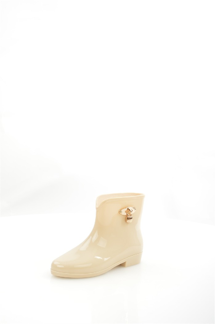 Резиновые полусапоги IdealЖенская обувь<br>Детали: мягкая съемная стелька, декор золотистым замочком.<br> Материал верха резина<br> Внутренний материал без подкладки<br> Материал подошвы резина<br> Материал стельки полимер<br> Высота голенища / задника 14 см<br> Сезон демисезон<br> Цвет бежевый<br> Цвет фурнитуры золотой<br> <br> Страна: Россия<br><br>Высота каблука: 2.5 см<br>Высота голенища / задника: 14 см<br>Материал: Резина<br>Сезон: ВЕСНА/ОСЕНЬ<br>Коллекция: Весна-лето<br>Пол: Женский<br>Возраст: Взрослый<br>Цвет: Бежевый<br>Размер RU: 37