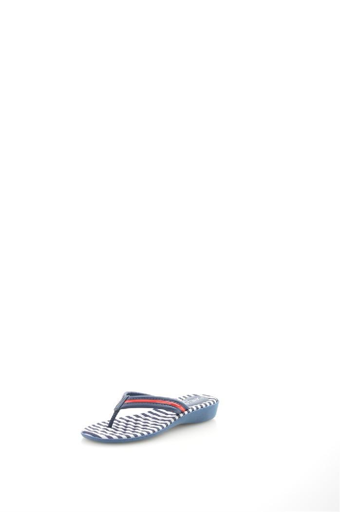 Шлепанцы Beira RioЖенская обувь<br>Цвет: синий<br> Материал верха: кожа искусственная<br> Материал подкладки: кожа искусственная<br> Материал стельки: текстиль<br> Материал подошвы: искусственный материал, шероховатая<br> Сезон: лето<br> Местоположение логотипа: стелька<br> Уход за изделием: протирать губкой<br> Параметры изделия: 38/37-длина стельки - 23,5 см<br> <br> Страна дизайна: Бразилия<br> Страна производства: Бразилия.<br><br>Материал: Искусственная кожа<br>Сезон: ЛЕТО<br>Коллекция: Весна-лето<br>Пол: Женский<br>Возраст: Взрослый<br>Цвет: Синий<br>Размер RU: 38