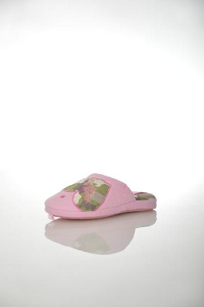 Тапочки De FonsecaОбувь для девочек<br>Цвет: розовый<br> Материал верха: текстиль<br> Материал подошвы: резина<br> Местоположение логотипа: на стельке<br> Страна: Италия<br><br>Материал: Текстиль<br>Сезон: МУЛЬТИ<br>Коллекция: (Справочник &quot;Номенклатура&quot; (Общие)): Весна-лето<br>Пол: Женский<br>Возраст: Детский<br>Цвет: Розовый<br>Размер RU: 30