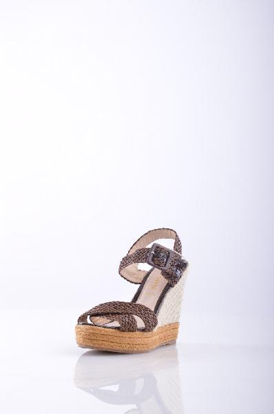 6, WHITE ЭспадрильиЖенская обувь<br>без аппликаций, одноцветное изделие, пряжка, скругленный носок, резиновая подошва.<br>Высота каблука: 12.5 см.<br>Высота платформы: 4 см<br>Страна: Италия<br><br>Высота каблука: 12.5 см<br>Высота платформы: 4 см<br>Материал: Искусственная кожа<br>Сезон: ЛЕТО<br>Коллекция: Весна-лето<br>Пол: Женский<br>Возраст: Взрослый<br>Цвет: Коричневый<br>Размер RU: 37