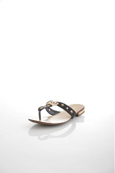 Шлепанцы VitacciЖенская обувь<br>Цвет: черный<br> Состав: экокожа<br> Высота каблука: Маленький: 1.5 см<br> Высота платформы: Низкая: 0.3 см<br> Материал подкладки: Искусственная кожа<br> Материал верха: Экокожа<br> Сезон: лето<br> <br> Страна: Россия<br><br>Высота каблука: 1.5 см<br>Высота платформы: 0.3 см<br>Материал: Эко-кожа<br>Сезон: ЛЕТО<br>Коллекция: Весна-лето<br>Пол: Женский<br>Возраст: Взрослый<br>Цвет: Черный<br>Размер RU: 38