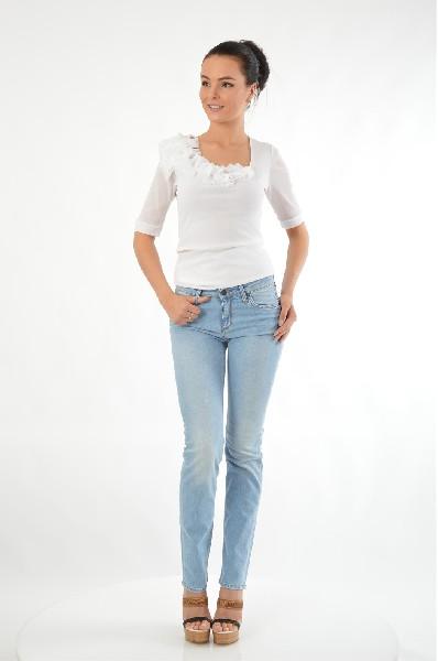 Джинсы EDWINЖенская одежда<br>Состав: 65% Хлопок, 35% Полиэстер<br> Детали: деним, одноцветное изделие, эффект делаве, низкая талия, светлый деним, застежка спереди, молния и пуговицы, множество карманов, логотип, обтягивающая модель, малый размер<br> Размеры: Примерная ширина низа брюч...<br><br>Материал: Хлопок<br>Сезон: МУЛЬТИ<br>Коллекция: (Справочник &quot;Номенклатура&quot; (Общие)): Весна-лето<br>Пол: Женский<br>Возраст: Взрослый<br>Модель: ПРЯМЫЕ<br>Цвет: Синий<br>Размер INT: M