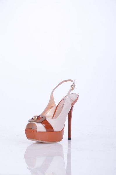 Босоножки, VitacciЖенская обувь<br>Описание: Великолепные босоножки, оформленные декоративной пряжкой. Высокий каблук компенсирован платформой. Изделие с застежкой на металлическую пряжку.<br>Высота каблука: 13.5 см.<br>Высота платформы: 3 см.<br>Страна: Россия<br><br>Высота каблука: 13.5 см<br>Высота платформы: 3 см<br>Материал: Натуральная кожа<br>Сезон: ЛЕТО<br>Коллекция: (Справочник &quot;Номенклатура&quot; (Общие)): Весна-лето<br>Пол: Женский<br>Возраст: Взрослый<br>Цвет: Разноцветный<br>Размер RU: 37