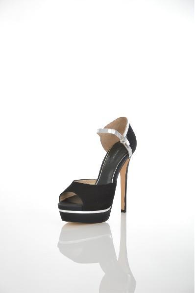Босоножки Paolo ConteЖенская обувь<br>Цвет: черный<br> <br> Материал верха: велюр натуральный<br> Материал подкладки: кожа натуральная<br> Материал стельки: кожа натуральная<br> Материал подошвы: искусственный материал, гладкая<br> Описание: Сезон - лето.<br> Параметры изделия: для размера 37/37: высота платформы 4,5 см, ширина носка стельки 7,5 см, длина стельки 24 см.<br> Высота каблука:13,5 см<br> Цвет и обтяжка каблука: черный, кожа натуральная<br> Местоположение логотипа: стелька, подошва<br> Уход за изделием:чистка щеткой для замшевых изделий<br> <br> Страна: Италия, Россия<br><br>Высота каблука: 13.5 см<br>Высота платформы: 4.5 см<br>Материал: Натуральный велюр<br>Сезон: ЛЕТО<br>Коллекция: Весна-лето<br>Пол: Женский<br>Возраст: Взрослый<br>Цвет: Черный<br>Размер RU: 37