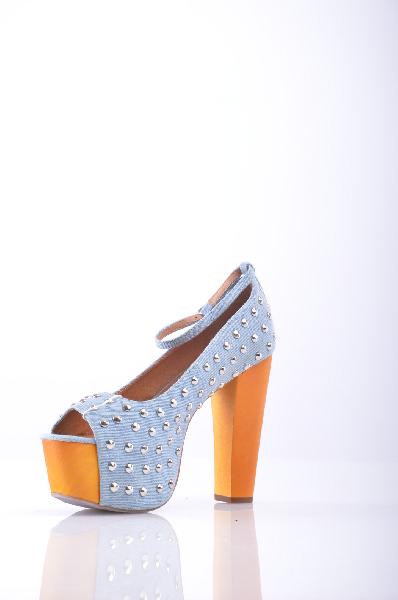 Туфли JEFFREY CAMPBELLЖенская обувь<br>Деним, заклепки, одноцветное изделие, ремешок на щиколотке, открытый носок, резиновая подошва, деревянный каблук, туфли мэри джейн <br> Высота каблука: 13 см <br> Высота платформы: 5.5 см <br>Страна: США<br><br>Высота каблука: 13 см<br>Высота платформы: 5.5 см<br>Материал: Текстильное волокно<br>Сезон: ЛЕТО<br>Коллекция: Весна-лето<br>Пол: Женский<br>Возраст: Взрослый<br>Цвет: Разноцветный<br>Размер RU: 38