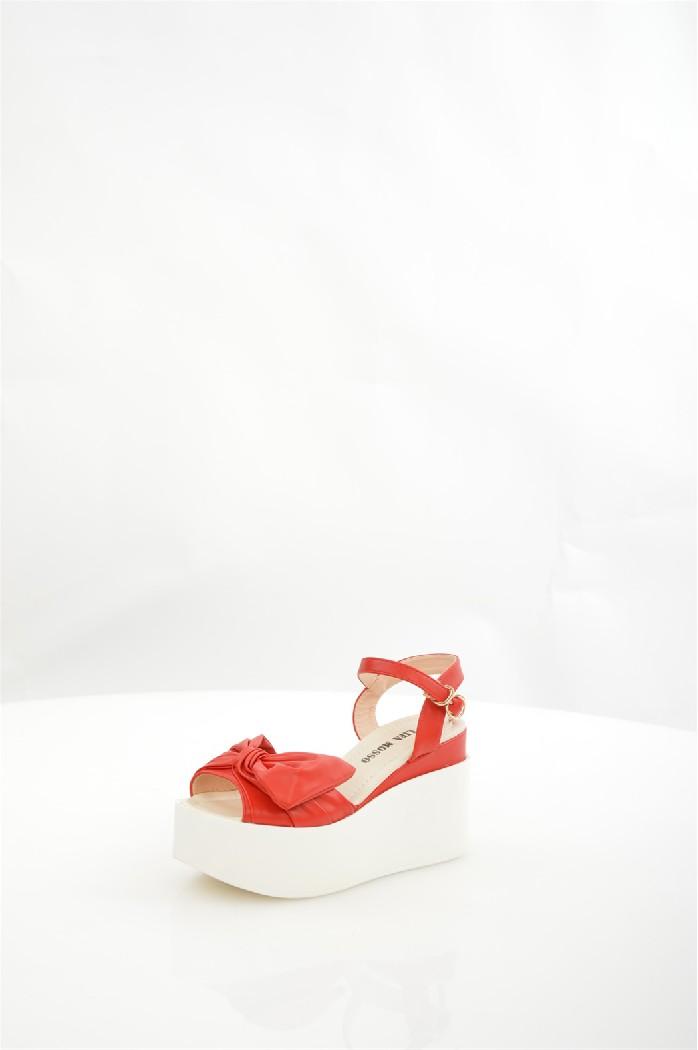 Босоножки LifaMossoЖенская обувь<br>Цвет: красный<br> Состав: экокожа 100%<br> <br> Материал подкладки обуви: Искусственная кожа<br> Габариты предмета (см): высота платформы: 5 см; высота каблука: 9 см<br> Материал подошвы обуви: тунит<br> Материал стельки: искусственная кожа<br> Сезон: круглогодичный<br><br>Высота каблука: 9 см<br>Высота платформы: 5 см<br>Материал: Эко-кожа<br>Сезон: МУЛЬТИ<br>Коллекция: Весна-лето<br>Пол: Женский<br>Возраст: Взрослый<br>Цвет: Красный<br>Размер RU: 38