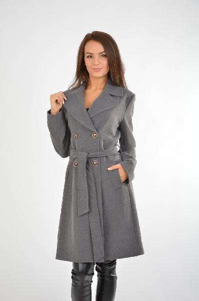 Пальто RinascimentoЖенская одежда<br>Материал: 63% Полиэстер, 31% Вискоза, 6% Эластан<br> Страна: Италия<br>Классическая модель двубортного пальто в сдержанном сером цвете - беспроигрышный вариант для базового гардероба. Статусное и строгое изделие отлично садится на фигуру. Пальто отлично впишется в деловой гардероб, его можно сочетать со шляпами или платками в качестве головного убора.<br><br>Материал: Полиэстер<br>Сезон: ВЕСНА/ОСЕНЬ<br>Коллекция: Осень-зима<br>Пол: Женский<br>Возраст: Взрослый<br>Цвет: Темно-серый<br>Размер INT: M