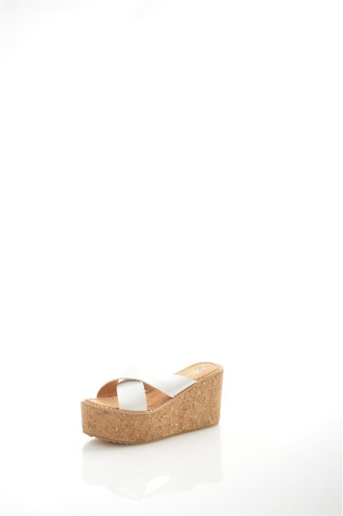 Сабо CatisaЖенская обувь<br>Материал верха искусственная кожа<br> Внутренний материал искусственная кожа<br> Материал подошвы полимер<br> Материал стельки текстиль<br> Высота каблука 9.5 см<br> Высота платформы 5 см<br> Сезон лето<br> Цвет белый<br> <br> Страна: Франция<br><br>Высота каблука: 9.5 см<br>Высота платформы: 5 см<br>Материал: Искусственная кожа<br>Сезон: ЛЕТО<br>Коллекция: Весна-лето<br>Пол: Женский<br>Возраст: Взрослый<br>Цвет: Белый<br>Размер RU: 38