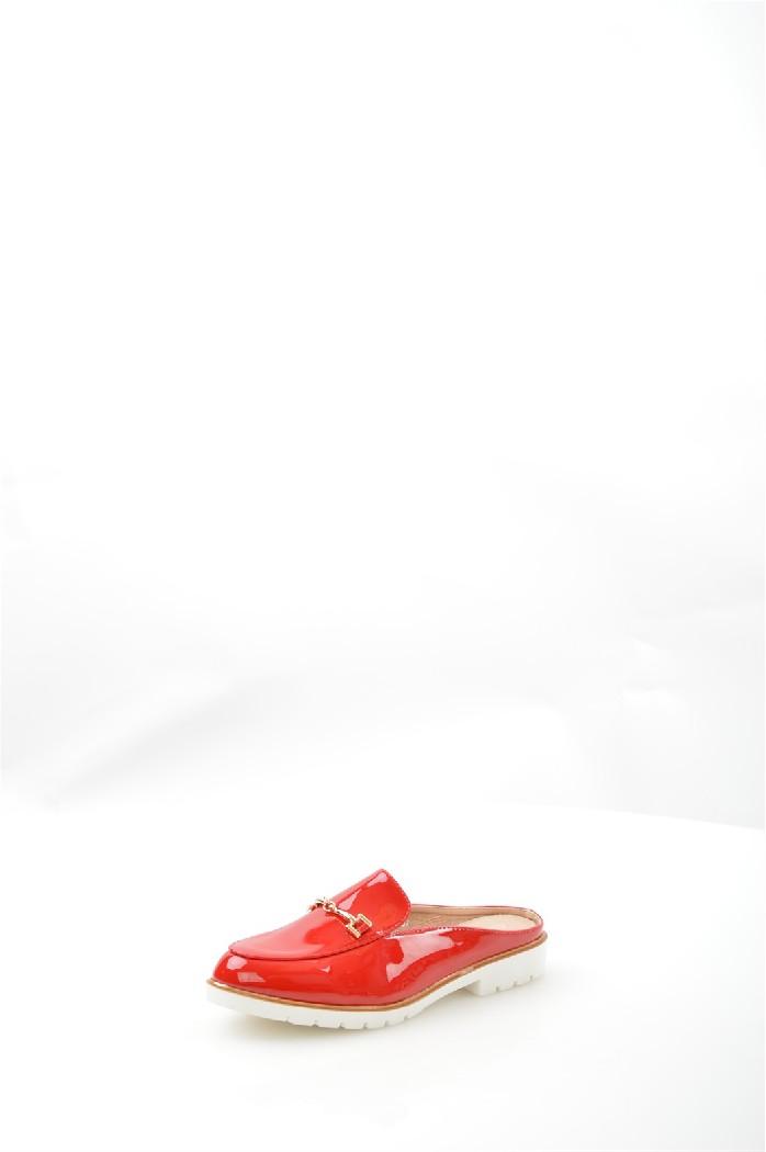 Сабо Sergio TodziЖенская обувь<br>Сабо Sergio Todzi выполнены из искусственной лаковой кожи.<br> <br> Материал верха искусственная лаковая кожа<br> Внутренний материал искусственная кожа<br> Материал подошвы полимер<br> Материал стельки искусственная кожа<br> Высота каблука 2.5 см<br> Сезон лето<br> Цвет красный<br> Детали обуви лакированные, металл<br> <br> Страна: Италия<br><br>Высота каблука: 2.5 см<br>Материал: Искусственная кожа<br>Сезон: ЛЕТО<br>Коллекция: Весна-лето<br>Пол: Женский<br>Возраст: Взрослый<br>Цвет: Красный<br>Размер RU: 37