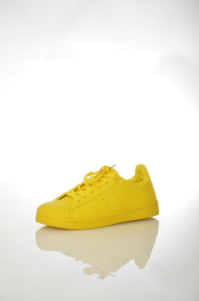 Кеды BellamicaЖенская обувь<br>Яркие кеды Bellamica выполнены в желтом цвете из искусственной кожи. Детали: шнуровка; текстильная внутренняя отделка; плоская резиновая подошва.<br> <br> Цвет желтый<br> Сезон Демисезон<br> Коллекция Осень-зима<br> Материал верха искусственная кожа<br> Внутренний материал текстиль<br> Материал стельки текстиль<br> Материал подошвы резина<br> Страна: Италия<br><br>Материал: Искусственная кожа<br>Сезон: ВЕСНА/ОСЕНЬ<br>Коллекция: Осень-зима<br>Пол: Женский<br>Возраст: Взрослый<br>Цвет: Желтый<br>Размер RU: 38