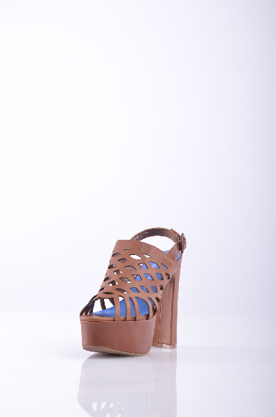 Сандалии JEFFREY CAMPBELLЖенская обувь<br>Описание: Без аппликаций, одноцветное изделие, пряжка, скругленный носок, резиновая подошва, обтянутый каблук, ручная работа. <br> <br> Высота каблука: 14 см. <br> Высота платформы: 5 см <br> Страна: США<br><br>Высота каблука: 14 см<br>Высота платформы: 5 см<br>Материал: Натуральная кожа<br>Сезон: ЛЕТО<br>Коллекция: Весна-лето<br>Пол: Женский<br>Возраст: Взрослый<br>Цвет: Коричневый<br>Размер RU: 37