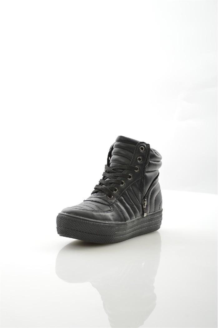 Кеды на танкетке CatisaЖенская обувь<br>Детали: шнуровка, текстильная подкладка, стелька из искусственной кожи, декоративные молнии.<br> <br> Материал верха искусственная кожа<br> Внутренний материал текстиль<br> Материал стельки искусственная кожа<br> Материал подошвы резина<br> Высота голенища / задника 11.5 см<br> Высота каблука 4 см<br> Тип каблука Платформа<br> Застежка на шнурках<br> Цвет черный<br> Сезон Демисезон<br> Коллекция Осень-зима<br> <br> Страна: Франция<br><br>Высота каблука: 4 см<br>Высота голенища / задника: 11.5 см<br>Материал: Искусственная кожа<br>Сезон: ВЕСНА/ОСЕНЬ<br>Коллекция: Осень-зима<br>Пол: Женский<br>Возраст: Взрослый<br>Размер RU: 37