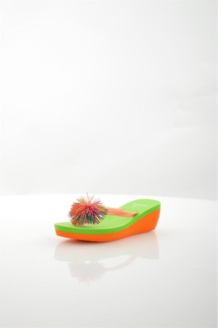 Шлепанцы De FonsecaЖенская обувь<br>Цвет: зеленый<br> Состав: резина 100%<br> <br> Материал подошвы: Резина: 100 %<br> Габариты предмета: высота каблука: 5.5 см, высота платформы: 2 см<br> Сезон: лето<br> <br> Страна: Италия<br><br>Высота каблука: 5.5 см<br>Высота платформы: 2 см<br>Материал: Резина<br>Сезон: ЛЕТО<br>Коллекция: Весна-лето<br>Пол: Женский<br>Возраст: Взрослый<br>Цвет: Разноцветный<br>Размер RU: 38
