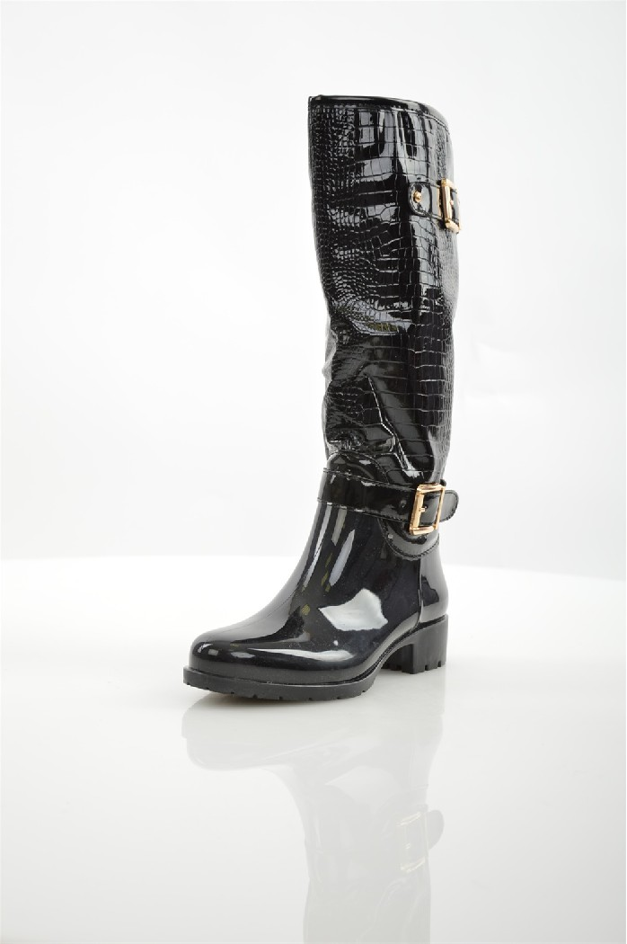 Сапоги CatisaЖенская обувь<br>Сапоги Catisa выполнены из искусственной лаковой кожи с тиснением под рептилию.<br> <br> <br> Материал верха искусственная лаковая кожа, резина<br> Внутренний материал байка<br> Материал стельки байка<br> Материал подошвы резина<br> Высота голенища / задника 36 см<br> Об...<br><br>Высота каблука: 3.5 см<br>Объем голени: 33 см<br>Высота голенища / задника: 36 см<br>Материал: Искусственная кожа<br>Сезон: ВЕСНА/ОСЕНЬ<br>Коллекция: (Справочник &quot;Номенклатура&quot; (Общие)): Осень-зима<br>Пол: Женский<br>Возраст: Взрослый<br>Цвет: Черный<br>Размер RU: 38
