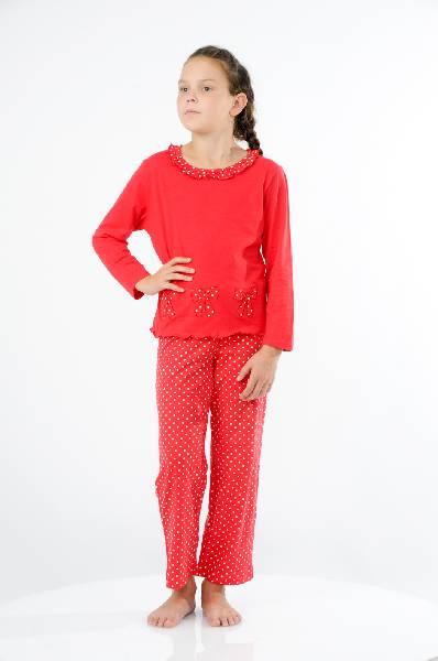 Пижама LowryОдежда для девочек<br>Цвет: красный<br> <br> Состав: хлопок 100%<br> <br> Великолепная пижама, состоящая из лонгслива и брюк. Лонгслив с длинными рукавами, округлым вырезом с оборочками. Брюки прямого кроя на эластичном поясе. Все изделия выполнены из нежного, приятного к телу материала.<br> <br> Вырез горловины Округлый вырез<br> Длина изделия Мини, 47 см<br> Длина рукава Длинные, 44 см<br> Форма брючин Прямые брючины<br> По назначению Повседневные<br> Габариты предметов Длина, 80 см<br> Брюки (шорты) Ширина брючин, 18 см<br> Брюки (шорты) Высота посадки, 25 см<br> Брюки (шорты) Длина по внутреннему шву, 57 см<br> Сезон круглогодичный<br> Пол Девочки<br> Страна Соединенные Штаты<br><br>Материал: Хлопок<br>Сезон: МУЛЬТИ<br>Коллекция: Весна-лето<br>Пол: Женский<br>Возраст: Детский<br>Цвет: Красный<br>Размер Height: 116