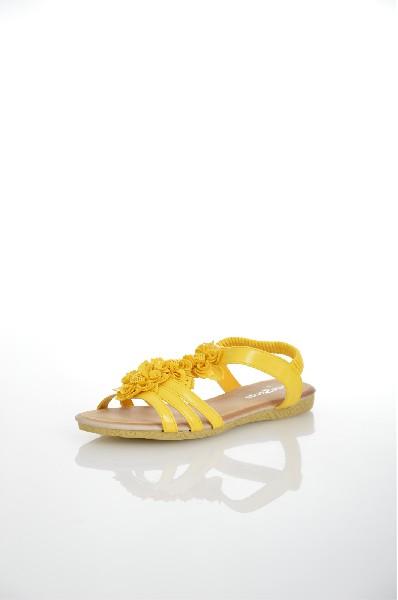 Сандалии AmazongaЖенская обувь<br>Цвет: желтый<br> <br> Состав: искусственная кожа<br> <br> Высота платформы Низкая: 1 см<br> Материал верха Искусственная кожа<br> Материал стельки Искусственная кожа: 100 %<br> Материал подошвы Резина: 100 %<br> Материал подкладки Искусственная кожа: 0 %; искусственная к...<br><br>Высота платформы: 1 см<br>Материал: Искусственная кожа<br>Сезон: ЛЕТО<br>Коллекция: (Справочник &quot;Номенклатура&quot; (Общие)): Весна-лето<br>Пол: Женский<br>Возраст: Взрослый<br>Цвет: Желтый<br>Размер RU: 37
