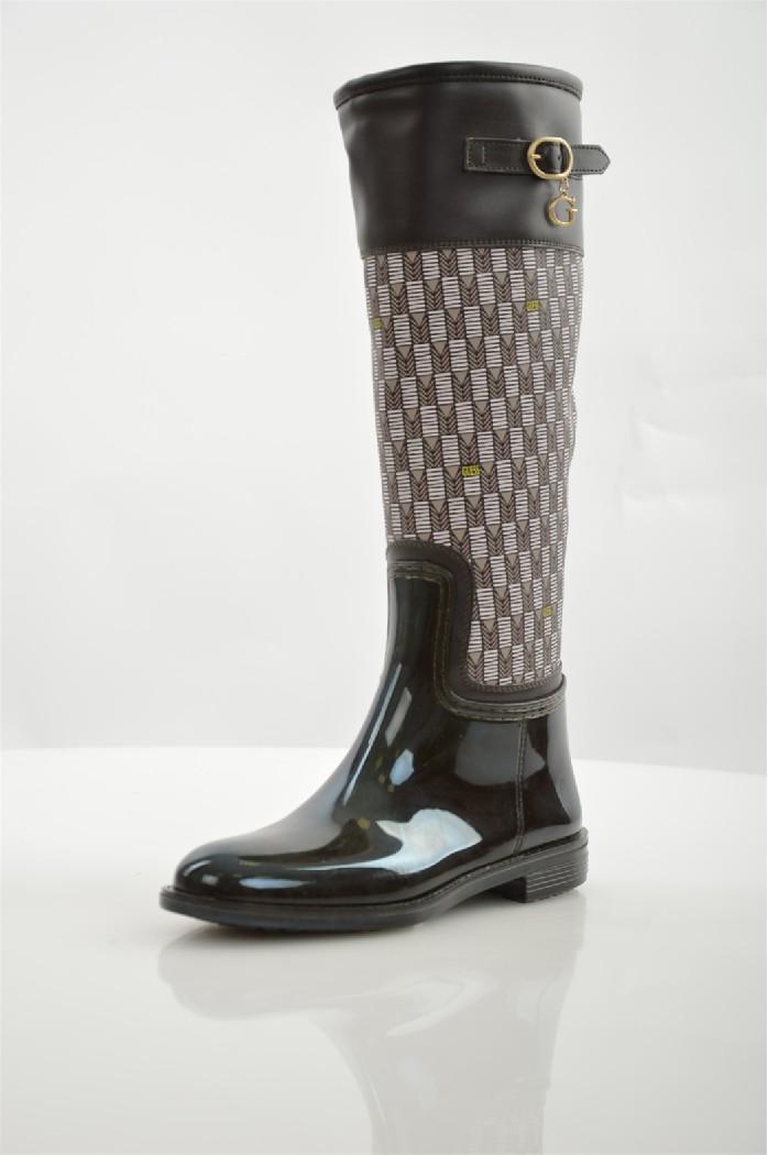 Резиновые сапоги GUESSЖенская обувь<br>Цвет: темно-коричневый<br> Состав: поливинил 100%<br> <br> Вид застежки: Молния<br> Материал подкладки: Текстиль<br> Габариты предмета: высота каблука: 3 см; высота платформы: 1 см; высота подошвы: 1 см<br> Материал подошвы: искусственный материал<br> Материал стельки: текстиль<br> Сезон: демисезон<br> <br> Страна бренда: Соединенные Штаты<br> Страна производитель: Румыния<br><br>Высота каблука: 3 см<br>Высота платформы: 1 см<br>Материал: Поливинилхлорид<br>Сезон: ВЕСНА/ОСЕНЬ<br>Коллекция: Весна-лето<br>Пол: Женский<br>Возраст: Взрослый<br>Цвет: Темно-коричневый<br>Размер RU: 38