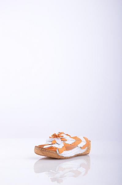 Сабо, TaccoЖенская обувь<br>Стильные сабо с открытым мыском. Модель выполнена из качественного материала насыщенной расцветки с цветочной аппликацией. Отличный вариант на каждый день. Материал подкладки: натуральная кожа. Материал верха - Кожа. Материал подошвы - Искусственный материал.<br>Высота каблука: 4.5 см<br>Высота платформы: 2.5 см<br>Страна: Россия<br><br>Высота каблука: 4.5 см<br>Высота платформы: 2.5 см<br>Материал: Натуральная кожа<br>Сезон: ЛЕТО<br>Коллекция: Весна-лето<br>Пол: Женский<br>Возраст: Взрослый<br>Цвет: Оранжевый<br>Размер RU: 37