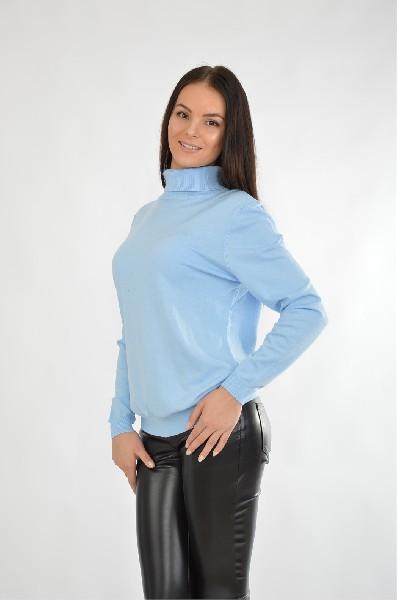Водолазка SelaЖенская одежда<br>Водолазка голубого цвета Sela выполнена из мягкого на ощупь трикотажа. Детали: прямой крой, воротник-стойка.<br> <br> Длина рукава: 60 см<br> Цвет: голубой<br> Сезон: Мульти<br> Коллекция: Осень-зима<br> Тип силуэта: Прямой<br> Тип трикотажа: Гладкий<br> Состав: Вискоза ...<br><br>Материал: Вискоза<br>Сезон: МУЛЬТИ<br>Коллекция: (Справочник &quot;Номенклатура&quot; (Общие)): Осень-зима<br>Пол: Женский<br>Возраст: Взрослый<br>Цвет: Голубой<br>Размер INT: XL