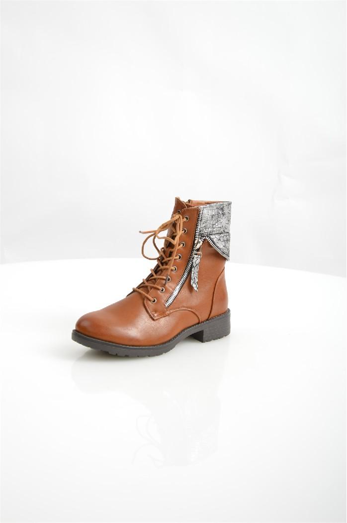 Ботинки Amore AmoreЖенская обувь<br>Ботинки Amore Amore выполнены из искусственной кожи. <br> <br> Материал верха искусственная кожа<br> Внутренний материал текстиль<br> Материал подошвы полимер<br> Материал стельки текстиль<br> Высота каблука 3.5 см<br> Высота голенища / задника 15 см<br> Сезон демисезон<br> Цвет коричневый<br> <br> Страна: Испания<br><br>Высота каблука: 3 см<br>Высота голенища / задника: 15 см<br>Материал: Искусственная кожа<br>Сезон: ВЕСНА/ОСЕНЬ<br>Коллекция: Осень-зима<br>Пол: Женский<br>Возраст: Взрослый<br>Цвет: Коричневый<br>Размер RU: 38