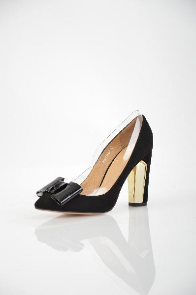 Туфли Grand StyleЖенская обувь<br>Элегантные туфли Grand Style черного цвета. Модель выполнена из натурального велюра с прозрачным краем и дополнена бантом в носочной части. Детали: внутренняя отделка и стелька из натуральной кожи, острый мыс, устойчивый каблук.<br> <br> Материал верха натуральный велюр<br> Внутренний материал натуральная кожа<br> Материал стельки натуральная кожа<br> Материал подошвы искусственный материал<br> Высота каблука 9.5 см<br> Высота 6 см<br> Цвет черный<br> Страна производства Турция<br> Сезон Мульти<br> Коллекция Весна-лето<br> Детали обуви бант, прозрачность<br><br>Высота каблука: 9.5 см<br>Материал: Натуральный велюр<br>Сезон: МУЛЬТИ<br>Коллекция: Весна-лето<br>Пол: Женский<br>Возраст: Взрослый<br>Цвет: Черный<br>Размер RU: 38