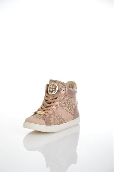 Кеды GUESSЖенская обувь<br>Цвет: черный, темно-коричневый, бежевый<br> <br> Состав: хлопок 100%<br> <br> Высота каблука Высота: 3 см<br> Вид обуви низкие<br> Сезон круглогодичный<br> Пол Женский<br> Страна Соединенные Штаты<br><br>Высота каблука: 3 см<br>Материал: Хлопок<br>Сезон: МУЛЬТИ<br>Коллекция: Весна-лето<br>Пол: Женский<br>Возраст: Взрослый<br>Цвет: Коричневый<br>Размер: 38