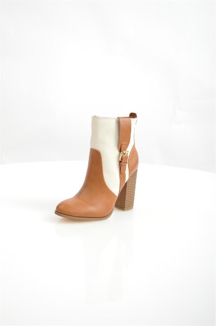 Ботильоны Anne MichelleЖенская обувь<br>Детали: застежка на молнию; внутренняя отделка из текстиля; подошва из искусственного материала.<br> <br> Материал верха: искусственная кожа, текстиль<br> Внутренний материал: текстиль<br> Материал подошвы: полимер<br> Материал стельки: искусственная кожа<br> Высота каблука: 11 см<br> Высота голенища / задника: 12 см<br> Обхват голенища: 24 см<br> Сезон: демисезон<br> Цвет: мультиколор<br> Застежка: на молнии<br><br>Высота каблука: 11 см<br>Объем голени: 24 см<br>Высота голенища / задника: 12 см<br>Материал: Искусственная кожа<br>Сезон: ВЕСНА/ОСЕНЬ<br>Коллекция: Осень-зима<br>Пол: Женский<br>Возраст: Взрослый<br>Цвет: Разноцветный<br>Размер RU: 37