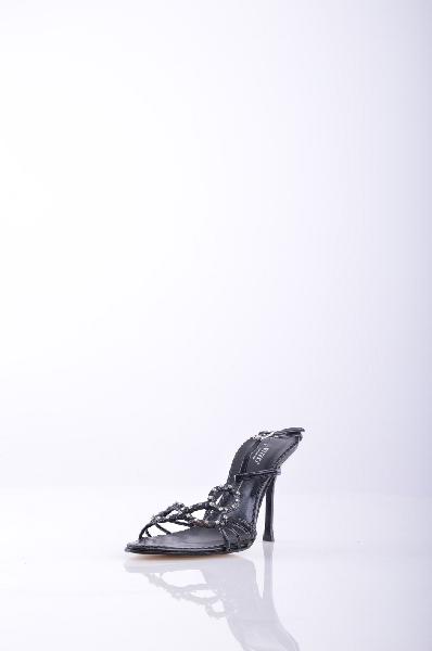 ENZO СандалииЖенская обувь<br>Описание: эффект лакировки, стразы, одноцветное изделие, пряжка, узкий носок, кожаная подошва.<br>Высота каблука: 10 см.<br>Страна: Италия<br><br>Высота каблука: 10 см<br>Материал: Натуральная кожа<br>Сезон: ЛЕТО<br>Коллекция: (Справочник &quot;Номенклатура&quot; (Общие)): Весна-лето<br>Пол: Женский<br>Возраст: Взрослый<br>Цвет: Черный<br>Размер RU: 37