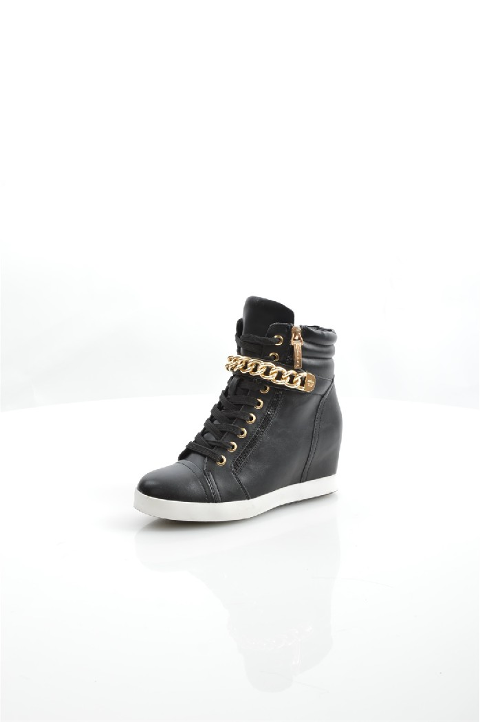 Кеды на танкетке KeddoЖенская обувь<br>Кеды на танкетке от Keddo выполнены из искусственной кожи; подкладка и стелька из шерстяного меха.<br> <br> Материал верха: искусственная кожа<br> Внутренний материал: шерстяной мех<br> Материал подошвы: полимер<br> Материал стельки: шерстяной мех<br> Высота каблука: 6 см<br> Высота голенища / задника: 12.5 см<br> Сезон: Демисезон, Зима<br> <br> Страна: Великобритания<br><br>Высота каблука: 6 см<br>Высота голенища / задника: 12.5 см<br>Материал: Искусственная кожа<br>Сезон: ВЕСНА/ОСЕНЬ<br>Коллекция: Осень-зима<br>Пол: Женский<br>Возраст: Взрослый<br>Цвет: Черный<br>Размер RU: 38