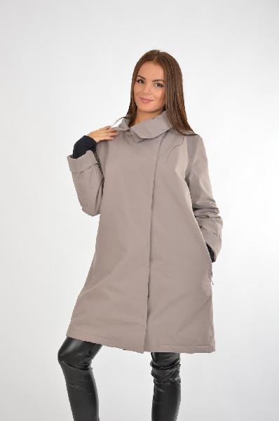 Пуховик UrbaniaЖенская одежда<br>Утепленный вариант классического женского пальто на зимний сезон. А-образный крой изделия позволяет надеть под пуховик при необходимости свитер, а комфортная длина – сочетать с платьями и юбками. Лаконичный бежево-серый оттенок будет выигрышно смотреться в классическом стиле. <br> <br> Материал: 72% Хлопок, 28% Нейлон<br> Подкладка: 100% Полиэстер<br> <br> Страна: Италия<br><br>Материал: Хлопок<br>Сезон: ВЕСНА/ОСЕНЬ<br>Коллекция: Осень-зима<br>Пол: Женский<br>Возраст: Взрослый<br>Цвет: Серый<br>Размер INT: XL