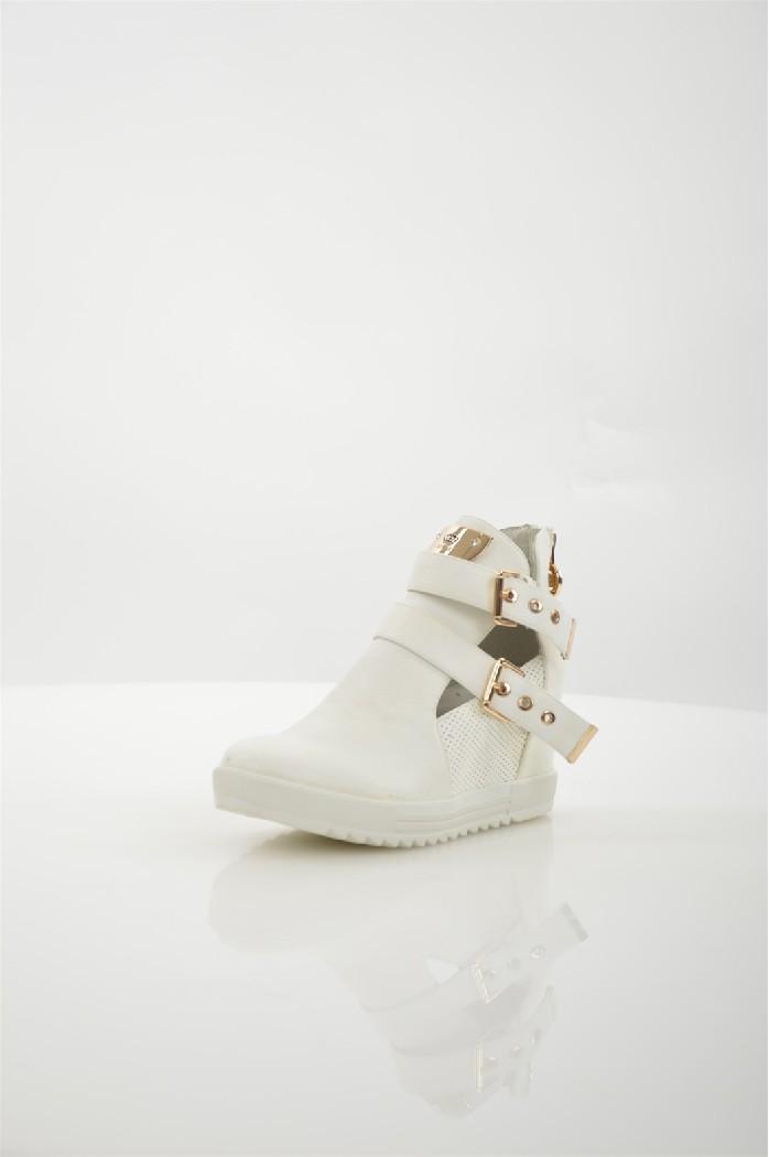 Сникеры KEDDOЖенская обувь<br>Цвет: белый<br> Состав: искусственная кожа 100%<br> <br> Вид застежки: Молния<br> Материал подошвы: Полимер<br> Материал подкладки: натуральная кожа<br> Высота обуви: низкие<br> Вид каблука: танкетка<br> Форма мыска: круглый<br> Габариты предметов: высота каблука: 10 см<br> Назначение обуви: повседневная<br> Сезон: демисезон<br> Пол: Женский<br> Страна: Великобритания<br><br>Высота каблука: 10 см<br>Материал: Искусственная кожа<br>Сезон: ВЕСНА/ОСЕНЬ<br>Коллекция: Весна-лето<br>Пол: Женский<br>Возраст: Взрослый<br>Цвет: Белый<br>Размер RU: 37