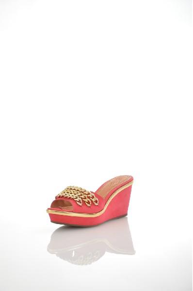 Сабо JUST COUTUREЖенская обувь<br>Цвет: красный, золотистый<br> Состав: натуральная кожа,натуральный нубук<br> <br> <br> Для размера: 37 - Длина стопы: 24.5 см<br> Для размера: 38 - Длина стопы: 25.5-25.9 см<br> <br> Фактура материала: Кожаный<br> Материал подошвы: Резина<br> По назначению: Ходьба<br> Вид застежки: Без застежки<br> Высота каблука: Высота: 7 см<br> Материал подкладки: натуральная кожа<br> Материал стельки: натуральная кожа<br> Вид обуви: высокие<br> Вид каблука: танкетка<br> Вид мыска: круглый<br> Сезон: лето<br><br> Страна: Италия<br><br>Высота каблука: 7 см<br>Материал: Натуральная кожа<br>Сезон: ЛЕТО<br>Коллекция: Весна-лето<br>Пол: Женский<br>Возраст: Взрослый<br>Цвет: Красный<br>Размер RU: 37