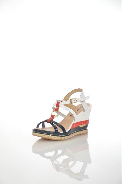 Босоножки JUST COUTUREЖенская обувь<br>Цвет: белый, синий, красный<br> <br> Состав: натуральная кожа 100%<br> <br> Фактура материала Кожаный<br> Материал подошвы Резина<br> По назначению Ходьба<br> Вид застежки Пряжка<br> Высота каблука Высота: 3.2 см<br> Материал подкладки натуральная кожа<br> Материал стельки натуральная кожа<br> Вид обуви высокие<br> Вид каблука танкетка<br> Вид мыска открытый<br> Сезон лето<br> Пол Женский<br> Страна бренда Италия<br> Страна производитель Италия<br><br>Высота каблука: 3.2 см<br>Материал: Натуральная кожа<br>Сезон: ЛЕТО<br>Коллекция: Весна-лето<br>Пол: Женский<br>Возраст: Взрослый<br>Цвет: Разноцветный<br>Размер RU: 38