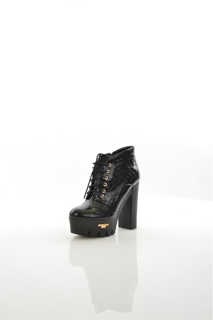 Ботильоны LINO MORANOЖенская обувь<br>Цвет: черный<br> Состав: искусственный материал 100%<br> <br> Вид застежки: Молния<br> Материал подкладки обуви: Искусственный материал<br> Материал подошвы обуви: искусственный материал<br> Материал стельки: искусственный материал<br> Вид каблука: без каблука<br> Форма мыска: круглый<br> Фактура материала: Гладкий<br> Габариты предметов: Высота платформы: 2 см; Высота подошвы: 2 см; Высота каблука: 10 см<br> Вид мыска: закрытый<br> Сезон: демисезон<br> Страна бренда: Россия<br> Страна производитель: Россия<br><br>Высота каблука: 10 см<br>Высота платформы: 2 см<br>Материал: Искусственный материал<br>Сезон: ВЕСНА/ОСЕНЬ<br>Коллекция: Осень-зима<br>Пол: Женский<br>Возраст: Взрослый<br>Цвет: Черный<br>Размер RU: 38