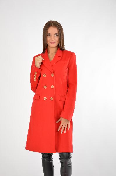 Пальто One StepЖенская одежда<br>Материал: 70% Шерсть, 22% Полиамид, 8% Кашемир<br> <br> Страна: Франция<br>Красное двубортное пальто от французского производителя – это яркость, страсть, драма в вашем образе. Наиболее модным сегодня считается сочетание красного с голубым цветом, поэтому смело дополните верхнюю одежду шарфом в небесном оттенке. В таком изделии вы точно будете чувствовать себя уверенно. Данное пальто вошло в осеннюю коллекцию от Brionity «Elegant Lady». Посмотрите, как здорово это изделие смотрится с другими товарами нашего интернет-магазина в разделе «Образ стилиста».<br><br>Материал: Шерсть<br>Сезон: ВЕСНА/ОСЕНЬ<br>Коллекция: Осень-зима<br>Пол: Женский<br>Возраст: Взрослый<br>Цвет: Красный<br>Размер INT: S